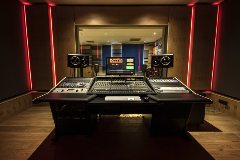 IK Multimedia - New recording studio