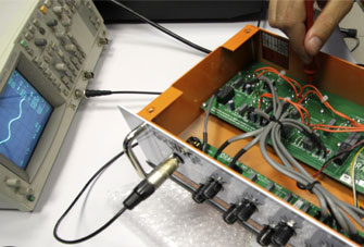 Measuring Orange Amplifier
