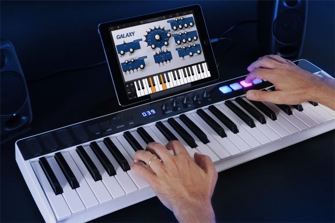 iRig Keys I/O 49 and Syntronik
